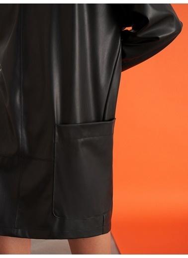 Nocturne Dik Yakalı Deri Elbise Siyah